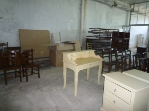 Foto in fabrica birou si scaune